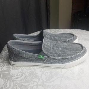 SANUK MENS shoes grey color size 9
